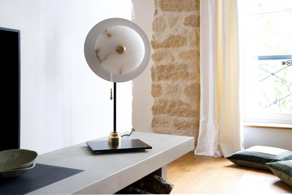 Lampe à poser disque albâtre